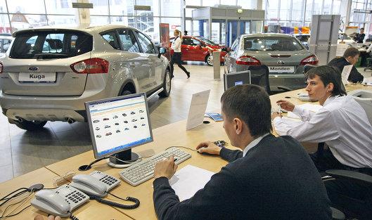Avtomobili-v-kredit-v-avtosalone