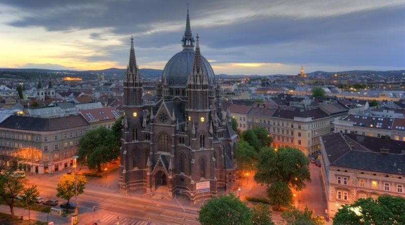 Отдых в Вене — захватывающее путешествие в мир музеев, дворцов и, конечно же, вкуснейших сладостей